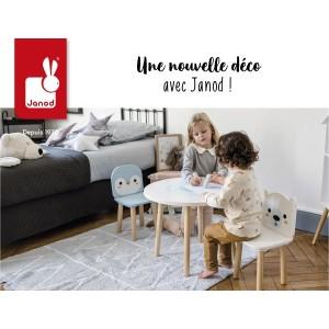 Ensemble mobilier chic une table et ses deux chaises en bois