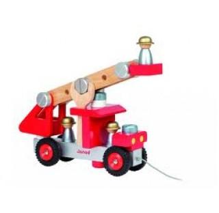 Camion de pompiers bien costaud et ses outils