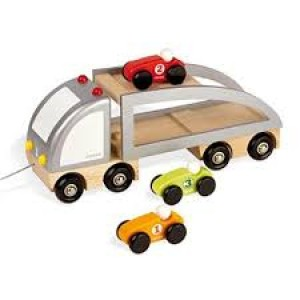 Camion multi bolides avec ses 3 voitures