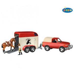 Le  camion fourgon van pour chevaux