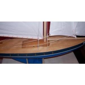 Très Grand voilier en bois, bateau d'1 mètre de hauteur, navigable sur bassin, coque bleue voile blanche, fabriqué en France
